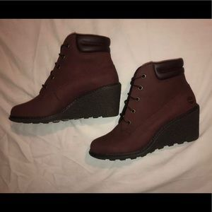 NWOT Discontinued Burgundy Lace Up Wedge Boots